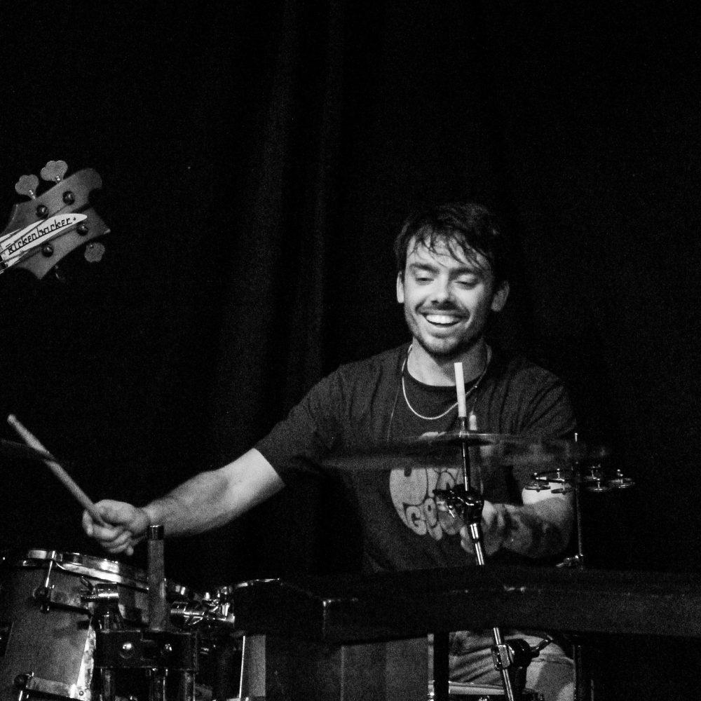 Gabriël op drums